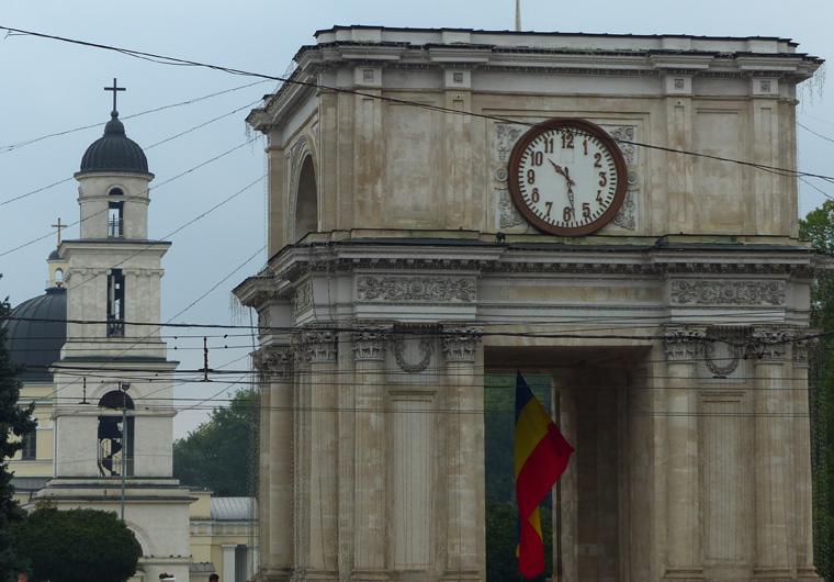 1_Triumphbogen (Arcul de Triumf) der Hauptstadt Chişinău