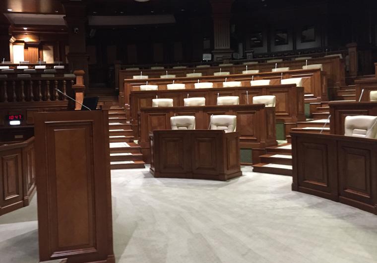 4_Plenarsaal im Parlamentsgebäude